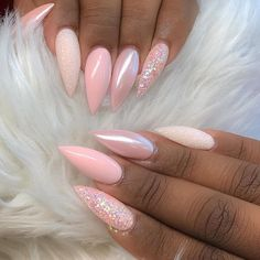 What Christmas manicure to choose for a festive mood - My Nails Pink Chrome Nails, Pink Stiletto Nails, Bling Nails, Baby Pink Nails Acrylic, Gorgeous Nails, Pretty Nails, Chrome Nails Designs, Nagellack Design, Ten Nails
