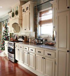 { holiday tour } The Kitchen