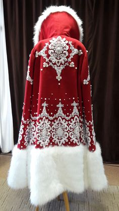 New Embroidery Dress Red Beautiful 47 Ideas Vintage Dresses, Vintage Outfits, Vintage Fashion, Fantasy Costumes, Dance Costumes, Pretty Outfits, Beautiful Outfits, Santa Suits, Christmas Costumes