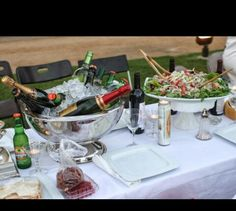 Le Fête en  Blanc Bastille Day Celebration; I want our table to look like this  August 28,2015