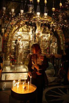 Church of the Holy Sepulcher, Jersusalem. Visit the Holy Land and walk where Jesus walked! #HolyLandPilgrimage
