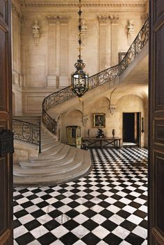 Open stairs, marble, wrought iron.