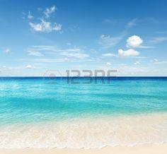 Tropischer Strand Himmel und Meer  Lizenzfreie Bilder