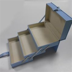 Blue Collapsible Leather Cosmetic Box http://www.tradeguide24.com/7060_Blue_Collapsible_Leather_Cosmetic_Box #cosmetic #box #wholesale #stocklot #wholesalelots