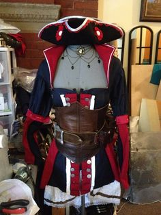 Assassins Creed IV The Puppeteer's tricorn costume hat on Etsy, $45.00 Go and Order now!! 'Cause it's awesome!
