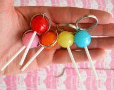 Earrings Handmade, Handmade Jewelry, Handmade Items, Etsy Jewelry, Cute Jewelry, Weird Jewelry, Kitsch, Biscuit, Cute Keychain