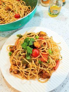 Sizzled Paneer Spaghetti Other Recipes, Rice Recipes, Pasta Recipes, My Recipes, Cooking Recipes, Spinach Ravioli, Garlic Spaghetti, Chicken Patties