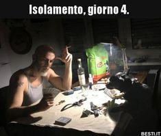 Isolamento, giorno 4... Happy Photos, Funny Photos, Funny Memes, Hilarious, Jokes, Verona, Fangirl, Lol, Smile