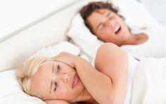 Smettere di russare senza comprare medicinali. Con rimedi naturali come l'olio di timo e la menta piperita