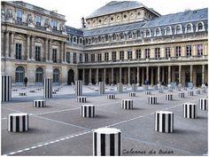 Colonnes de Buren, Métro Palais Royal Musée du Louvre, Paris