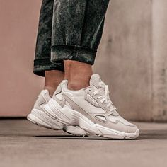 adidas Originals Falcon Tennis Adidas Ideas of Tennis Adidas tennis adidas adidastennis adidas Originals Falcon is part of Sneakers - Cute Shoes, Me Too Shoes, Easy Style, Adidas Official, Sneakers Fashion, Fashion Trainers, Adidas Fashion, Fashion Boots, Men Fashion
