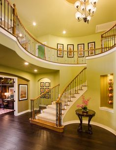 Not a fan of the green, but the entry-way itself is something I could work with.