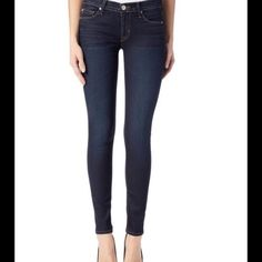 "Hudson Krista Super Skinny Hudson Krista super skinny in a dark, clean slimming wash! Waist 14.5"" inseam 29"". Leightweight, super stretch with a lofty hand. 88% cotton 10% poly2% spandex. Hudson Jeans Jeans Skinny"