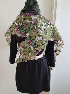 Kuitukangas ja kangasliima apuna silkkipaloja ja paljon tikkausta Bell Sleeves, Bell Sleeve Top, Your Photos, Tops, Dresses, Women, Fashion, Vestidos, Moda