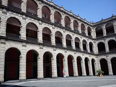 The main patio inside National Palace, a place full of history Visiting Mexico City, Visit Mexico, Palace, Maine, Places To Visit, Patio, History, Travel, Viajes