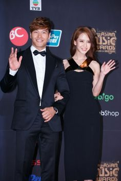 I love Gary and Jihyo but this makes me change my mind. They've got chemistry! <3