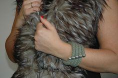 Βραχιόλι Με Πλεγμένο Βαμβακερό Κορδόνι 1 cm σε Μεταλλικό Στοιχείο Handmade Bracelets, Jewelry Bracelets, Dreadlocks, Hands, Hair Styles, Beauty, Hair Plait Styles, Hairdos, Haircut Styles