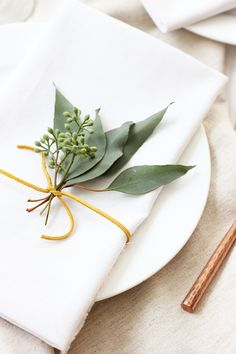 DIY Eucalyptus Thanksgiving Placesetting \ alice & lois