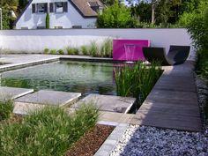 Small garden pond: 24 modern decor ideas - Decoration World Garden Pond, Water Garden, Garden Features, Water Features, Natural Mirrors, Ponds For Small Gardens, Free Standing Wall, Decoration Design, Modern Decor