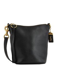 Abbigliamento - Scarpe - Borse - Accessori. Genere  donna ... 58d0e4becfd