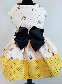 The BEES have it Adorable Ruffled Bumble Bee and by princessamee, $42.00