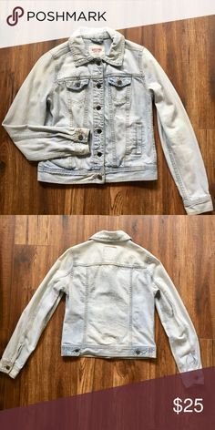fb0aab62ac6 Light-wash Denim Jacket Great Condition! Only worn a few times. Mossimo  Supply