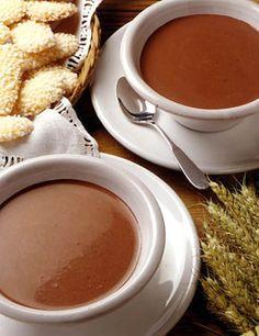 Cioccolata Calda: thick hot chocolate (made with chocolate instead of cocoa powder)