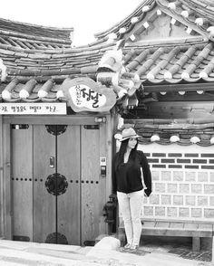 #streetphotography #travelphotography #architecture #design #homes #homedesign #asian #travel #korea #seoul #lifestyle #hankokvillage #realestate #motivation #live #love #style #interiordesign #living by mylinhliving http://discoverdmci.com