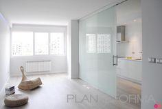 Cocina, Salon style moderno color marron, blanco  diseñado por interior03 | Interiorista