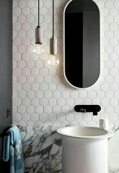 Pendant globes bathroom with white and grey theme. Bathroom 28 Bathroom Lighting Ideas to Brighten Your Style Bathroom Interior Design, Modern Interior Design, Interior Design Inspiration, Beautiful Bathrooms, Modern Bathroom, Small Bathroom, Bathroom Pendant Lighting, Bathroom Light Fixtures, Bathroom Toilets