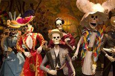 COLOR Y TRADICI/ÓN Mexican Catrina Doll Day of Dead Skeleton Paper Mache Dia de Los Muertos Skull Folk Art Halloween Decoration # 1571