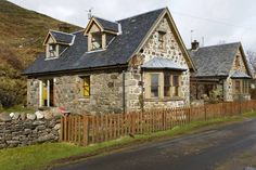 in Oban, GB. No. 2 Point Steadings is a lovely stone built semi-detached cottage with a slate roof, tastefully converted in 1999 from a traditional U -shaped farm steading on Point Farm, at the far north end of the Isle of Lismore. No. 2 Point Steadings is the...