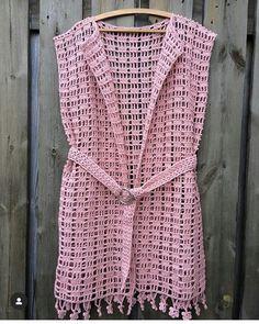 Beach Outlet - Her Crochet - Diy Crafts - maallure Crochet Diy, Cardigan Au Crochet, Pull Crochet, Gilet Crochet, Crochet Vest Pattern, Crochet Cover Up, Crochet Jacket, Crochet Woman, Crochet Cardigan
