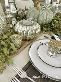Elegant Thanksgiving tablescape featuring mercury glass pumpkins and accents, sage green pumpkins and greenery, and a burlap table runner. Fall Table Settings, Thanksgiving Table Settings, Thanksgiving Tablescapes, Thanksgiving Decorations, Thanksgiving Ideas, Seasonal Decor, Holiday Tablescape, Fall Home Decor, Autumn Home