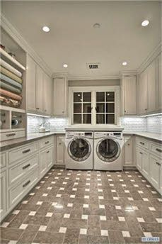 A laundry room of this size, with all that storage <3