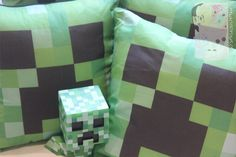 Minecraft - Creeper Pillow