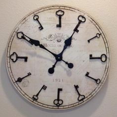 skeleton key clock - LOVE!
