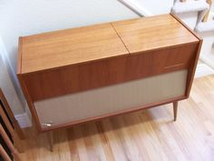 My dads Telefunken Stereo looks like this only with a darker finish....even comes with the old Herb Albert albums