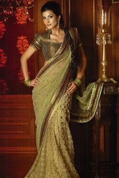 I need this sari in my life!! Neeta Lulla's Gold!