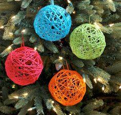 decorar con bolas de Navidad bolas lana colores