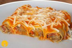 Canelones de Verduras Los canelones son una de las elaboraciones más tradicionales de la cocina catalana. Hasta la fecha en Cocina Casera os hemos comparti Deli, Lasagna, Food To Make, Veggies, Healthy Recipes, Healthy Food, Tasty, Ethnic Recipes, Queso