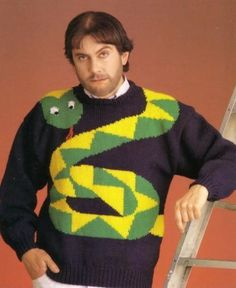 It's finally sweater weather! And nothing compliments that Octobeard like a fierce, sexy sweater. However, this selection may be a little more fierce than sexy. Snake Sweater, Ugly Sweater, Ugly Christmas Sweater, Man Sweater, Holiday Sweaters, Oversized Jumper, Bad Fashion, Fashion Fail, Quirky Fashion