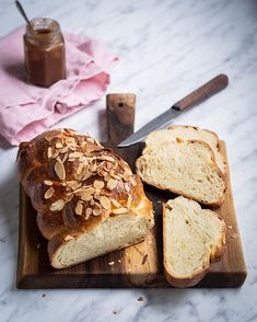 Pšenično-ražný kváskový chlieb - Zo srdca do hrnca Bread, Food, Meal, Essen, Hoods, Breads, Meals, Sandwich Loaf, Eten