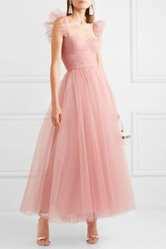 Beauty dress - Monique Lhuillier Ruffled ruched tulle and silk crepe de chine gown – Beauty dress Elegant Dresses, Pretty Dresses, Beautiful Dresses, Formal Dresses, Affordable Dresses, Cheap Dresses, Casual Dresses, Monique Lhuillier, Tulle Dress