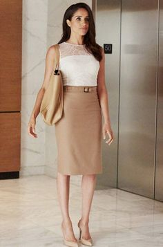 Meghan Markle's on-screen counterpart on Suits, Rachel Zane, is a master of office chic. Here are 10 outfits to inspire your workwear wardrobe! Business Fashion, Business Mode, Business Outfits, Business Attire, Office Fashion, Office Outfits, Work Fashion, Work Outfits, Stylish Outfits