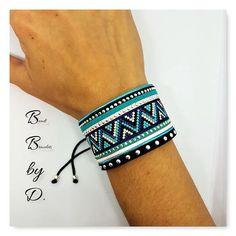 Bracelet Manchette en perles Miyuki Délicas et cordons.