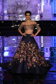 Manish Malhotra at India Couture Week 2016