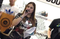 Suzy opening the raffle for the Yeezy Boost 350 at Sole Academy.