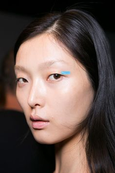All of the Best Eye Makeup Looks From the Spring 2016 Runway Shows - blue eyeliner