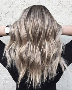 Ash Blonde Hair, Blonde Balayage, Short Choppy Layered Hair, Medium Hair Styles, Short Hair Styles, Honey Hair, Hair Looks, Hair Lengths, Dyed Hair